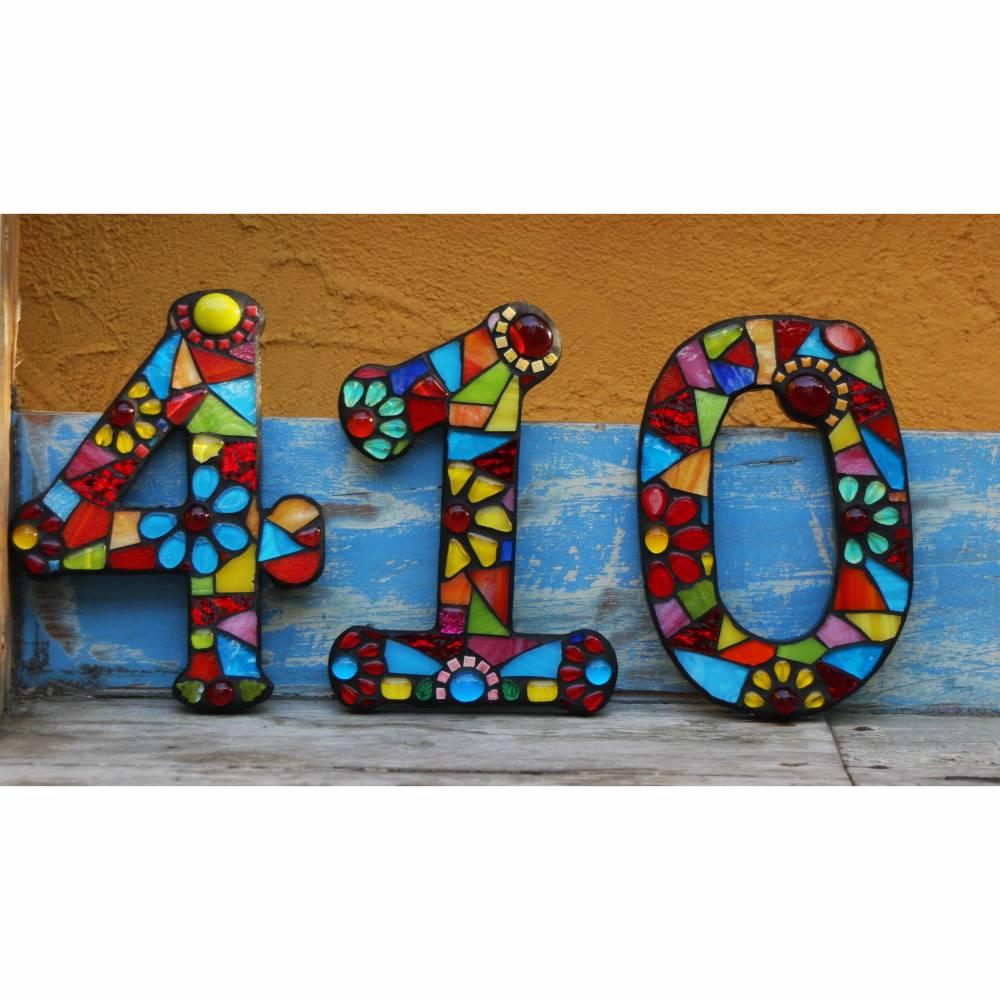 Mosaik Hausnummer bunt, schwarz verfugt Bild 1