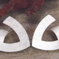 Ohrstecker Silber 925/-, Triangel 15 mm, mattgekratzt Bild 1