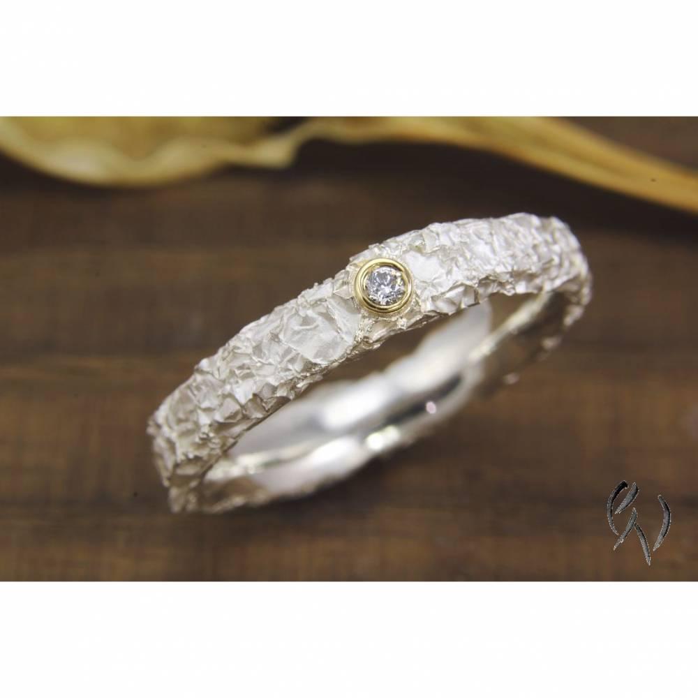 Schmaler Ring aus Silber 925/- mit Brillant, Zerknittert 3-4 mm Bild 1
