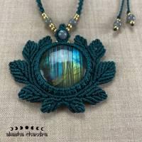 riesige Labradorit Statement Halskette im Blätter-Design, großer Waldelfen Anhänger in smaragdgrün Bild 3