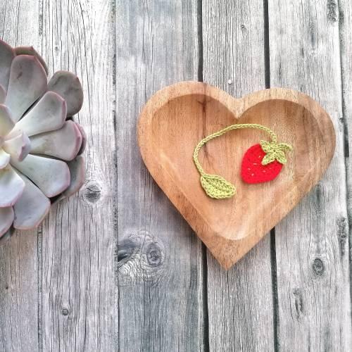 Weiches Nabelschnurbändchen, gehäkeltes Nabelschnurband mit Erdbeere