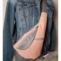 "Cross-Body-Bag ""ohRonni"" in rose/schlammfarbener Kombination  Bild 1"