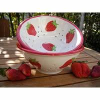 Erdbeer Sieb, Schale aus Keramik handbemalt Bild 1
