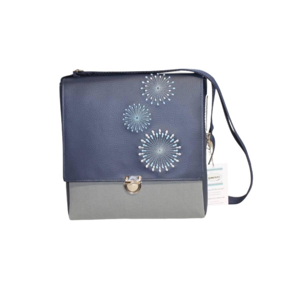 """Tasche """"TAX"""" in blau und grau mit Stickerei und Mappenschloss Bild 1"""