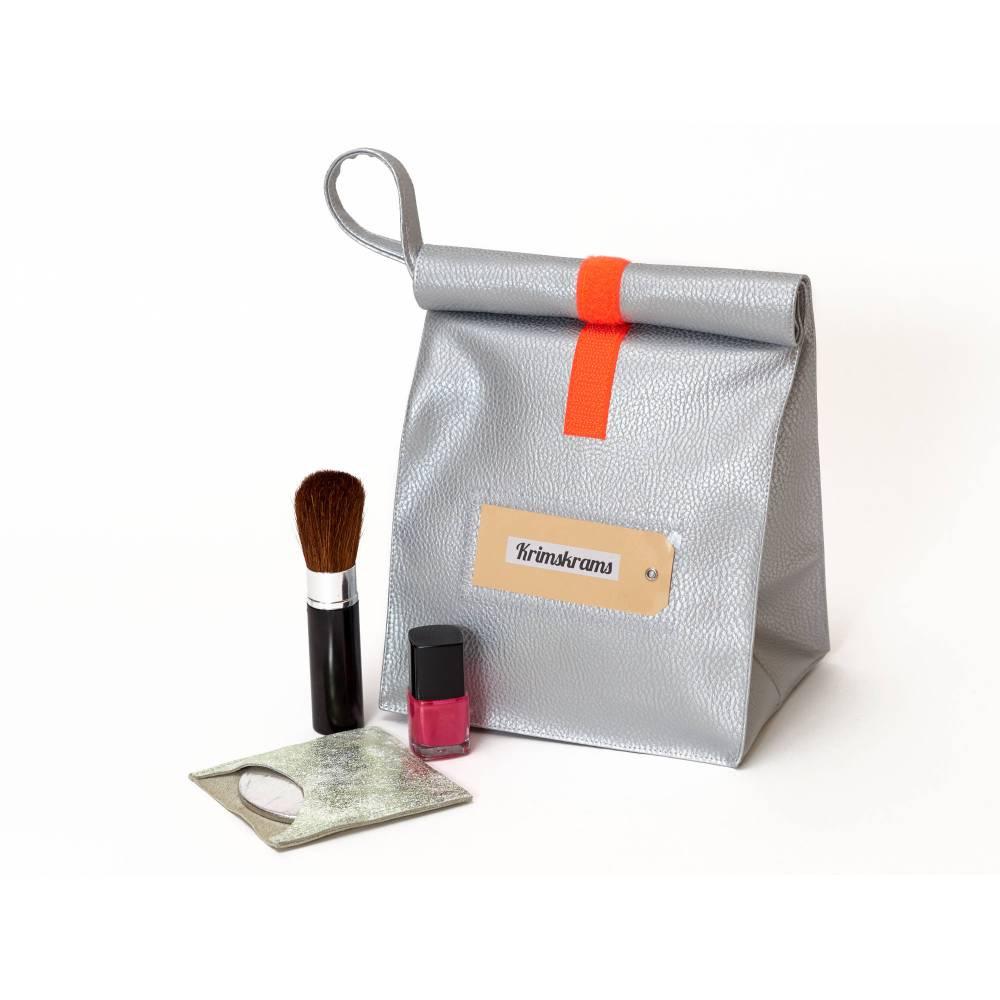 Lunchbag/ silber/ metallic/ Kunstleder/ Kulturtasche/ Schminktäschchen/ Lunchbags/ mit Innenfutter und Schlaufe Bild 1