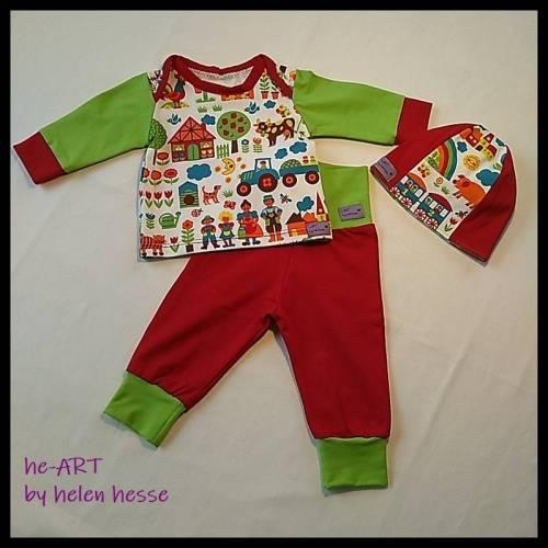 """3-teiliges Babyset """"Bauernhof"""" Größe 62, genäht aus Jersey in rot-grün-bunt, von he-ART by helen hesse"""