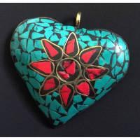 Indonesischer Messing Anhänger / Mosaik Anhänger Messing-Herz, herzförmig, türkis-rot, ca. 48 mm Bild 1