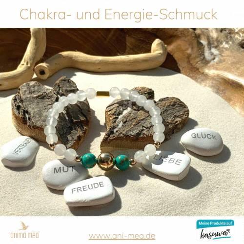 Jasneet-Armband aus der exklusiven anima mea Kollektion - Schutzkugel, grün, türkis, weiss, silber