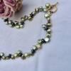 Kette aus lind-grünen echten Perlen, mexikanisches Schloß Messing, grünes Perlencollier, Frauengeschenk Geburtstag Bild 1