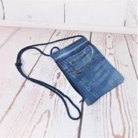 Brusttasche, kleine Umhängetasche, Handytasche , Jeans Upcycling Bild 1
