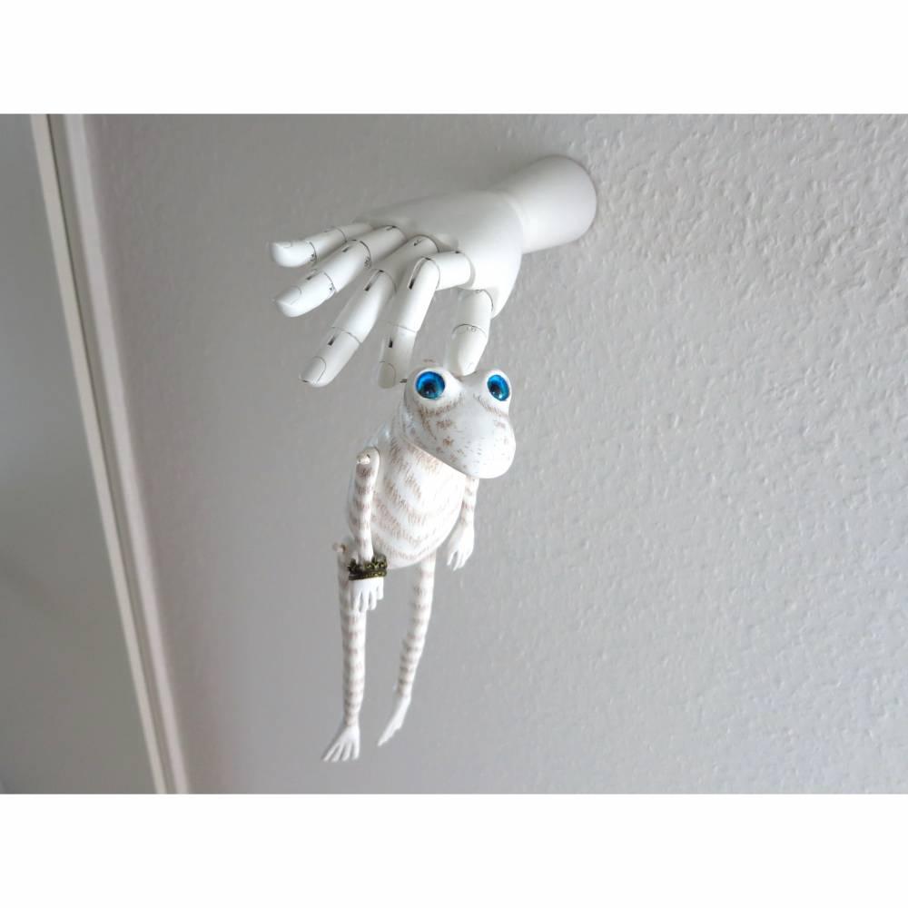 Roy, der weiße Tigerfrosch, Las Vegas, Wandobjekt, Froschfigur, Frosch Puppe, weißer Frosch, weiße Tiger, Skulptur, Plastik Bild 1