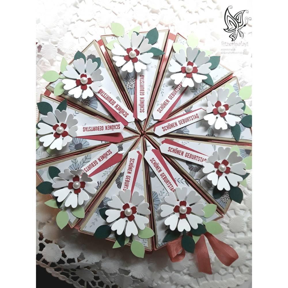 Torte aus Farbkarton Bild 1