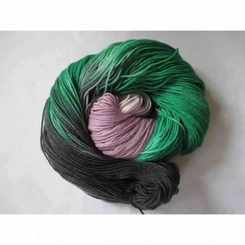 Sockenwolle  ♥ Tüchergarn mit Merino handgefärbt 4-fach ♥ ca. 100 Gramm LL ca. 400 Meter ♥