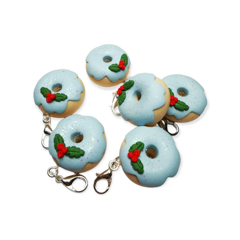 Fimo Donut Charm, Weihnachten, hellblau, Bild 1