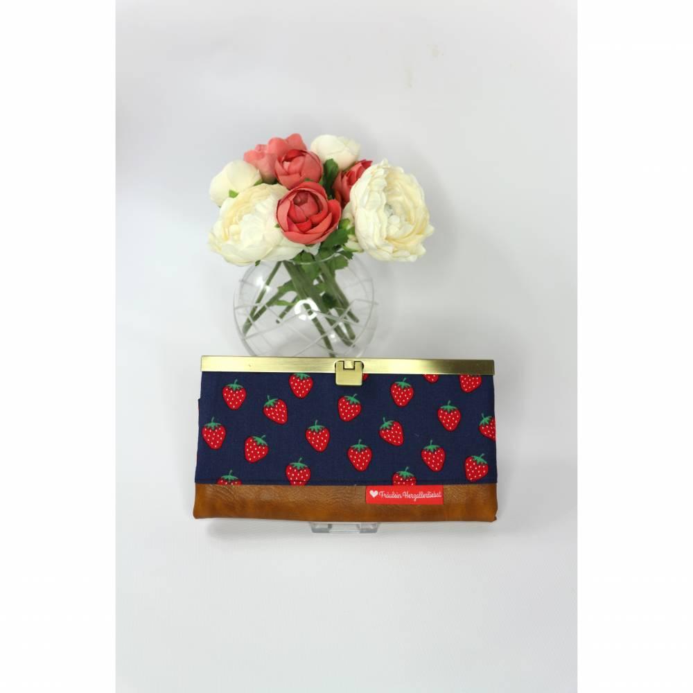 Portemonnaie blau mit Erdbeeren und Lederimitat Bild 1