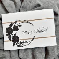 schlichte Trauerkarte - halber Blumenkranz- handgeschrieben Bild 1