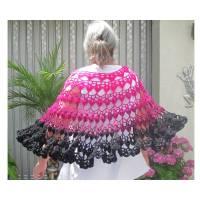 Poncho Überwurf Stola Pink Schwarz in Farbverlauf pink und schwarz gehäkelte Handarbeit Bild 1