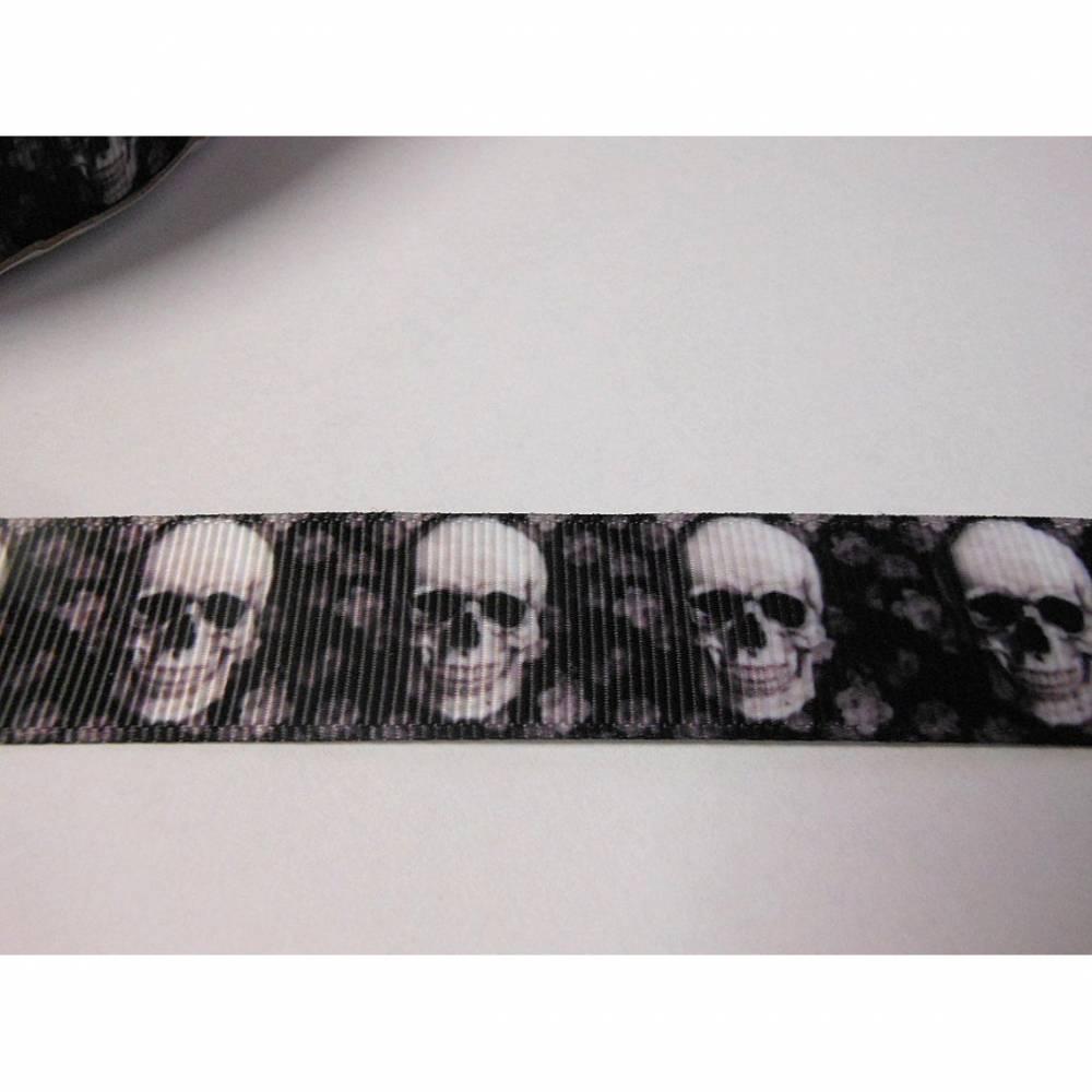 Skull  Totenkopf schwarz / weiss  ,   22 mm  Borte Ripsband Bild 1