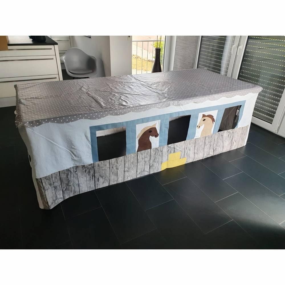 """Tischhöhle, Spielhöhle, Spielhaus """"Pferdestall"""" Bild 1"""