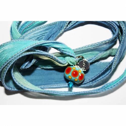 Wickelarmband aus Seide mit Lampwork-Perle