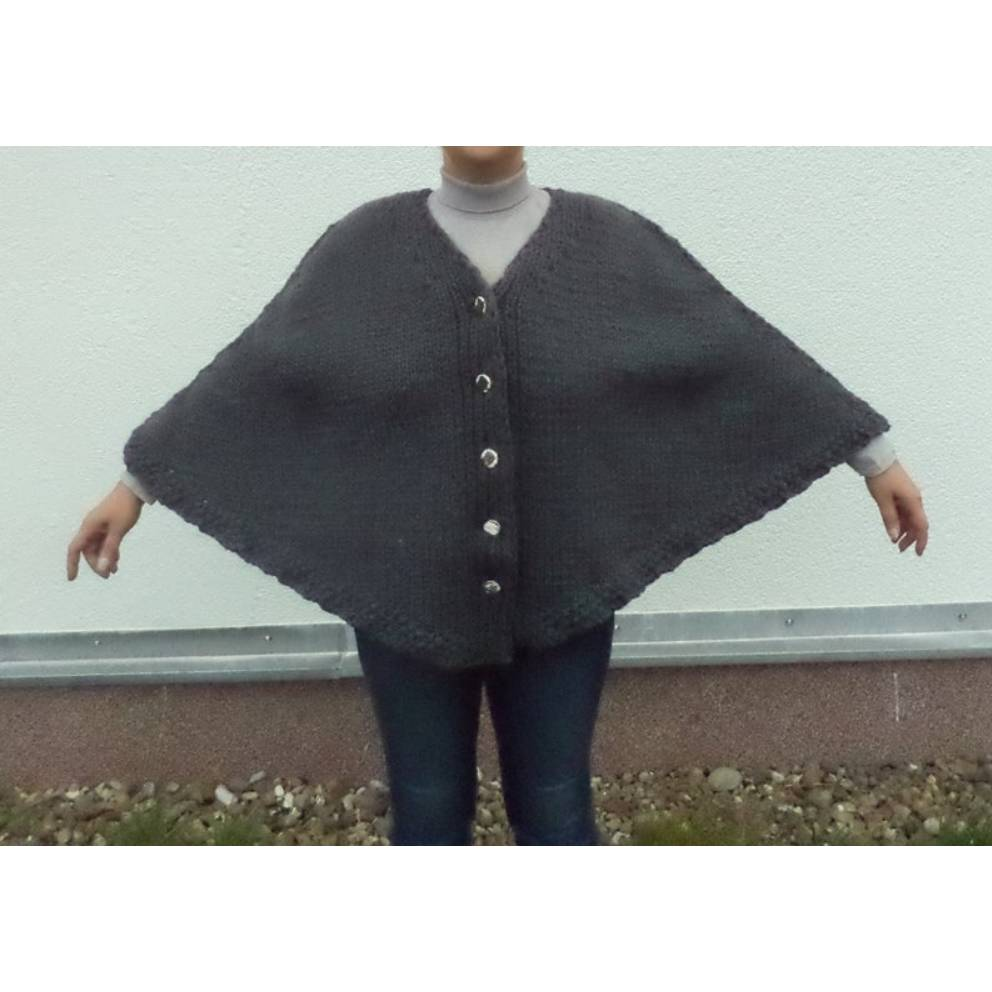 gestrickter Poncho Damen mit Knöpfe Gr. XL 48/50 reine Wolle Anfertigung Bild 1