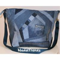 Große Umhängetasche in JeansPatchwork / große Tasche / Jeans upcycling / Shopper / cross body bag / Sporttasche / Jeanstasche Bild 1