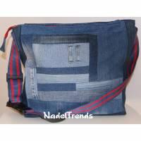 Große Umhängetasche in JeansPatchwork / große Tasche / Jeans upcycling / Shopper / cross body bag / Sporttasche / Jeanstasche / unisex Bild 1