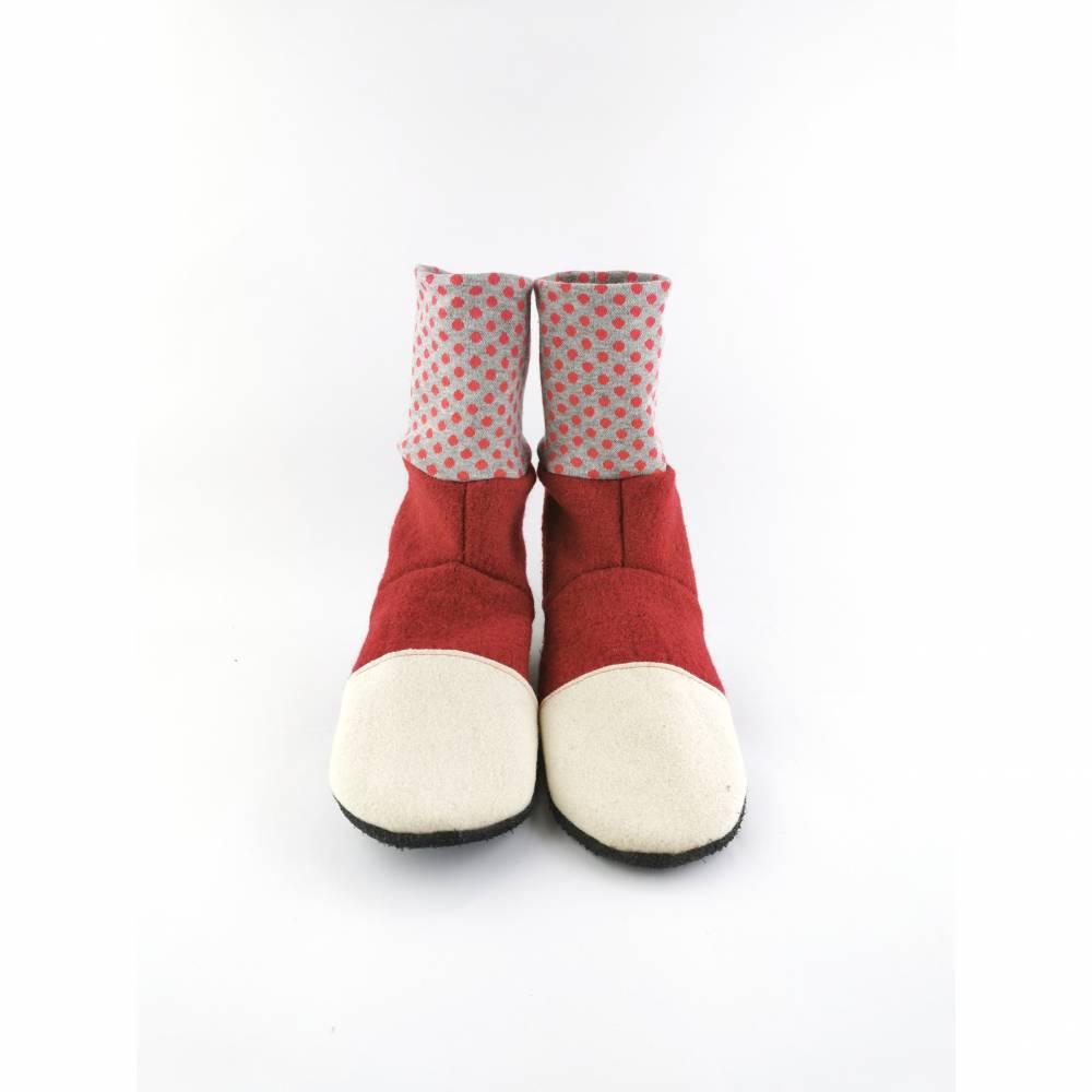 Rote Hausschuhe für Babys und Kinder aus weicher Wolle mit gepunktetem Bündchen Bild 1