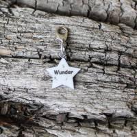 Sternförmiger Erinnerungscharm an Sternenkind mit Sternenstaub Edelstahl Aufschrift Wunder Bild 1