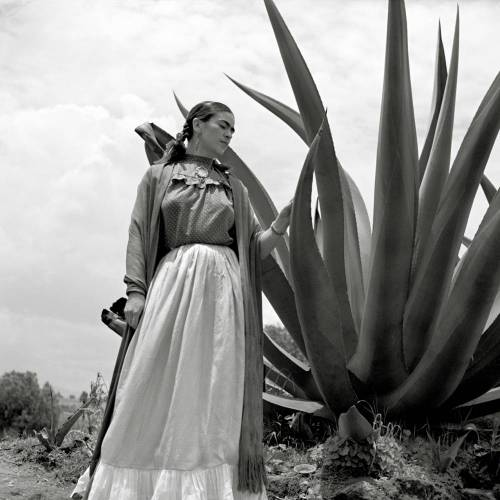 Frida Kahlo I - Kunstdruck Poster ungerahmt -  Fotokunst - schwarz-weiss Fotografie  Vintage Bilder - Kunst Druck
