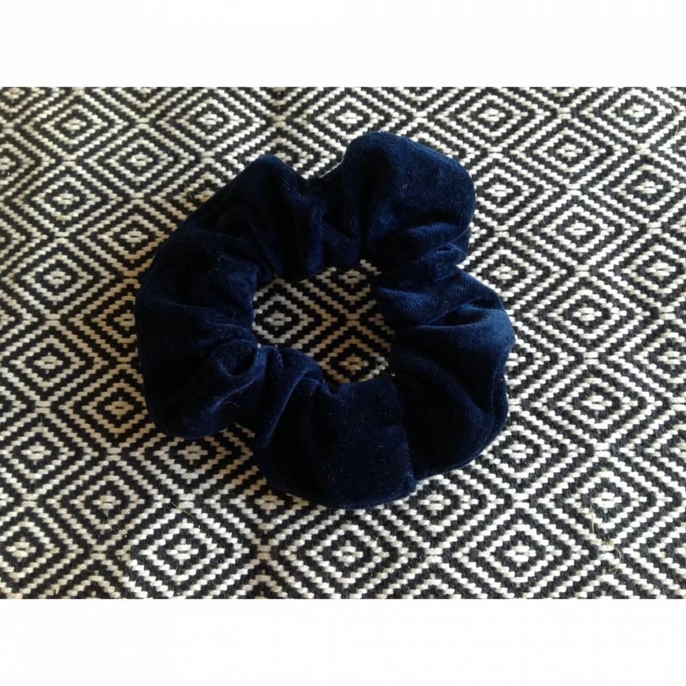 Scrunchie, Samt dunkelblau.Scrunchies. Haarbänder. Haargummis. NUR UNIKATE Bild 1