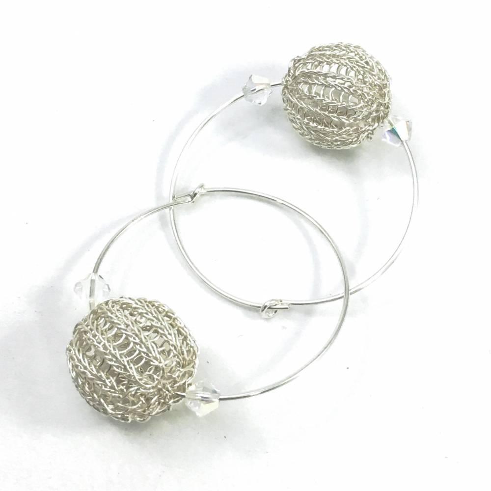 UNIKAT: Sterlingsilber Ohrringe / CREOLEN mit doppelt gestrickten Sterlingsilber Kugeln und Swarovski Kristallen Bild 1