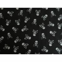 9,20 EUR/m Stoff Baumwolle - Totenköpfe, Piraten weiß auf schwarz