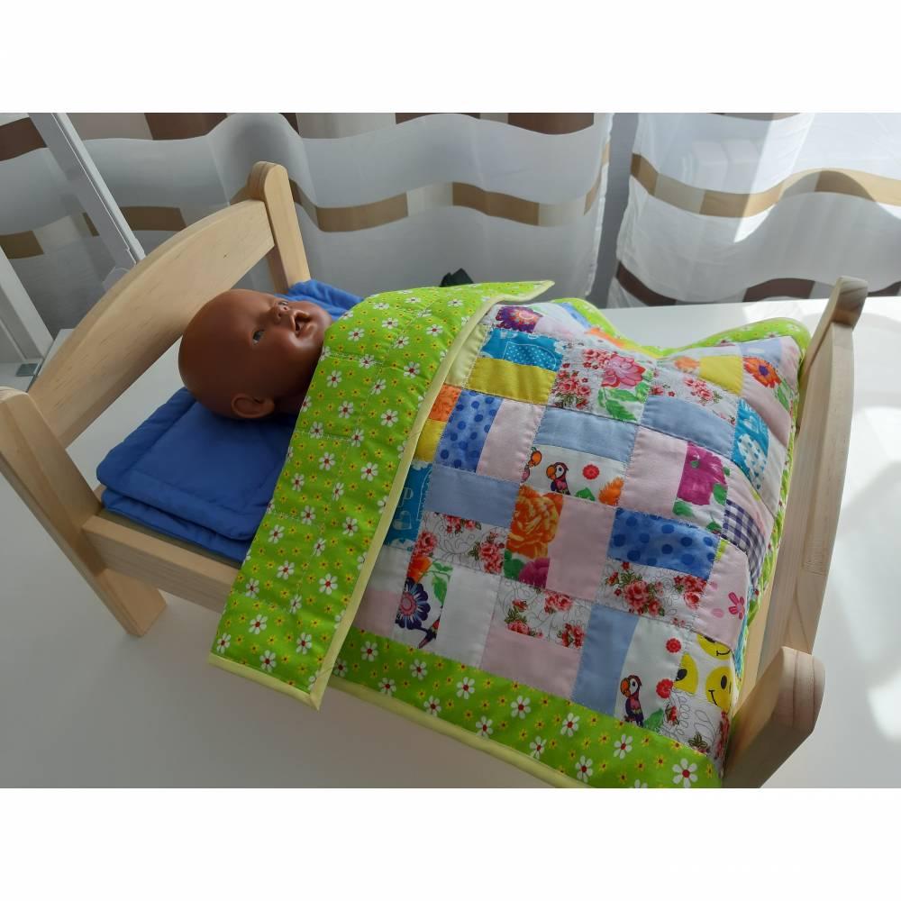 Scrappy Quilt, Patchworkdecke, Tagesdecke für Puppenbett. Puppenbettwäsche, Einzelstück  Bild 1