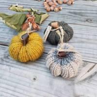 3er-Set Kürbisse handgestrickt - Herbstdekoration Bild 1