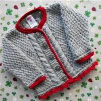 Trachtenjacke für Mädchen grau rot Geschenk Taufe Taufkleidung Dirndl Geburt Geburtstag Pullover Handarbeit gestrickt Bild 1