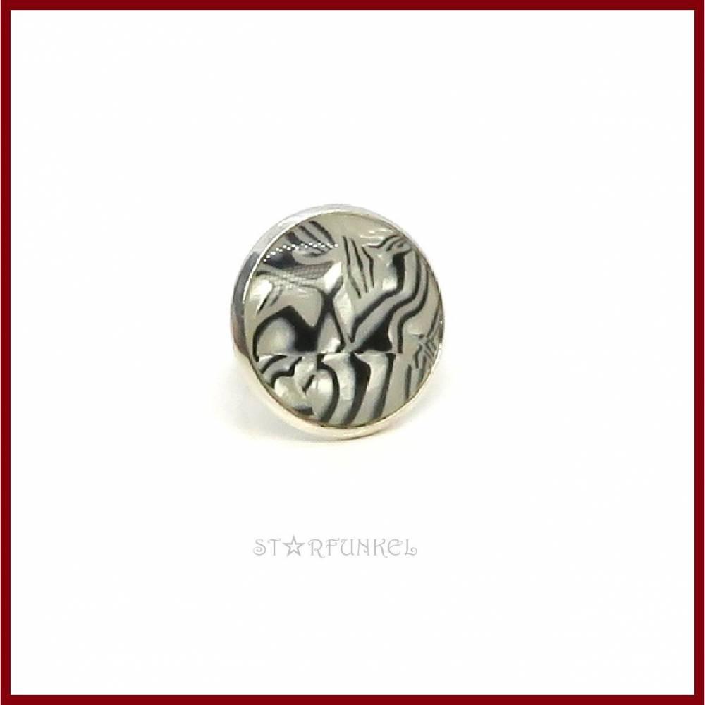 """Ring """"Zebra-Pearl"""" Cabochon 25mm schwarz-weiß, versilbert, verstellbar (offen) Bild 1"""