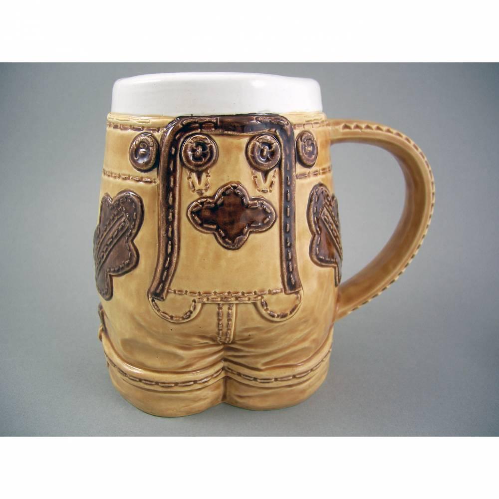 Bierkrug Lederhose,500ml, Keramik, handbemalt Bild 1