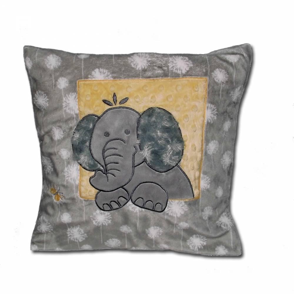 Babykissen Kissen 40x40cm grau bestickt mit Namen und niedlicher Elefanten-Applikation Schmusekissen Shannon Fabrics personalisiert Namenskissen Geschenkidee Taufe Geburt Weihnachten Bild 1