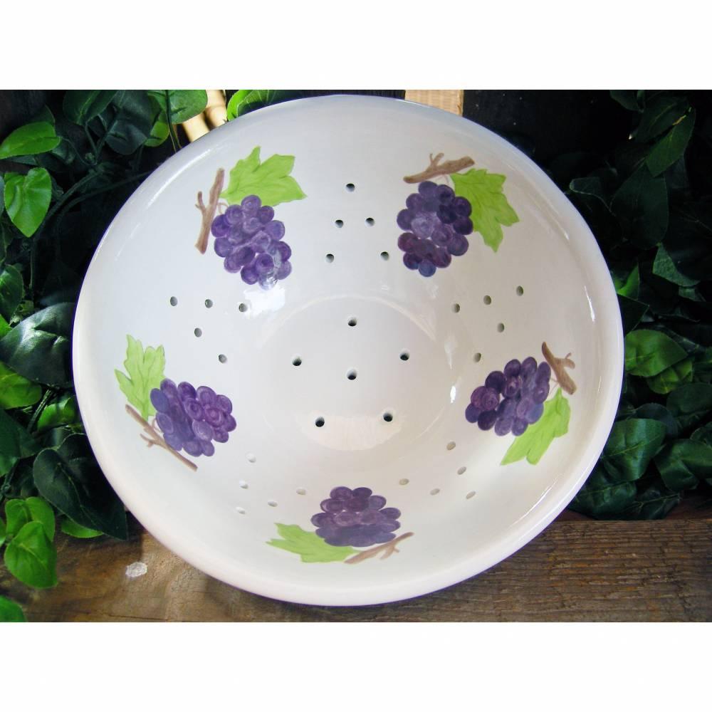 Sieb Weintrauben, Schale aus Keramik handbemalt Bild 1