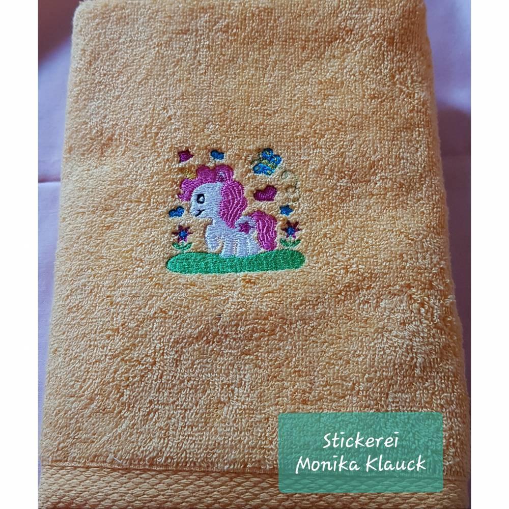 Handtuch, gelb, 50x100, mit Einhorn und nach Wunsch mit Namen Bild 1