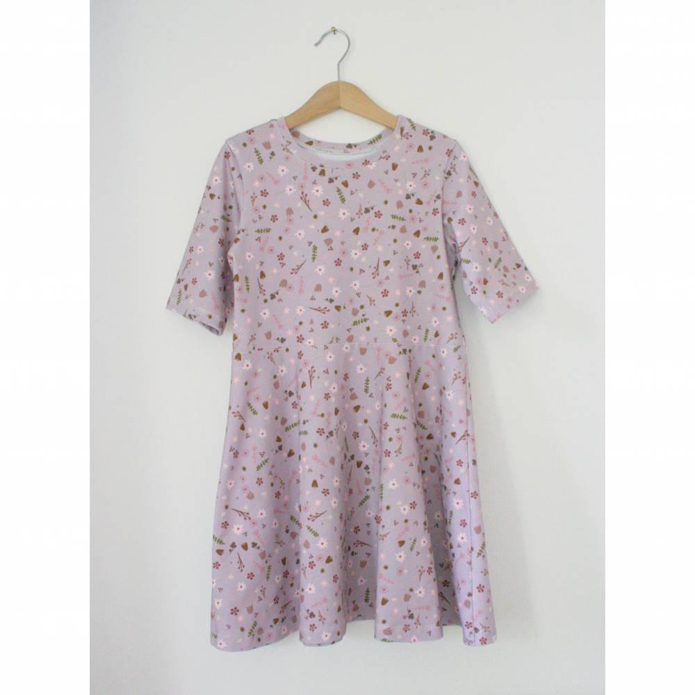 Blümchenkleid aus BIO Jersey von Lillestoff im Stoffdesign Alma von Lillemo Bild 1