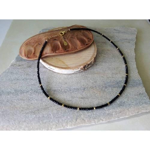 Collier aus echten, schwarzen Spinellen mit Pyrit. Silber 925 Vergoldet 18K. Echte Natürliche Edelstein - Handarbeit - Fair Trade