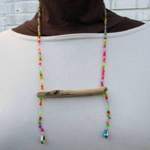 Einzigartige Halskette oder Collier aus Treibholz und bunten Glasperlen, Geschenkidee für Naturliebhaberinnen