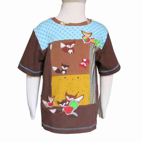 "UPCYCLING  Kinder Kurzarmshirt ""Erdbeerfüchse""  UNIKAT Größe 98"