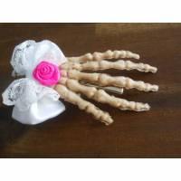 Schleife Rose  Skeletthand Haarklammer gothic  Bild 1