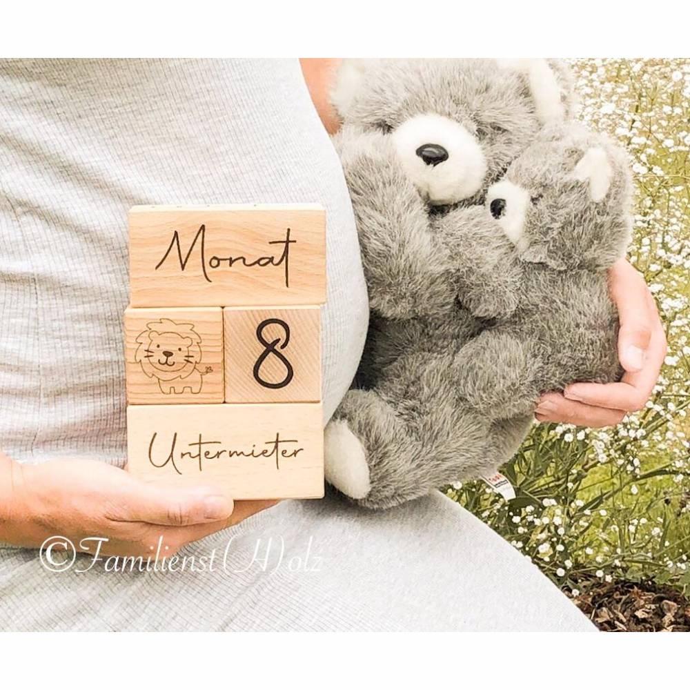 Personalisierte Meilensteine Würfel für die Schwangerschaft aus Holz Eiche massiv Bild 1