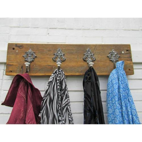 Flurgarderobe aus Treibholz mit großen Metallhaken,  Hakenleiste für  Garderobe aus Meerholz, Upcycling,