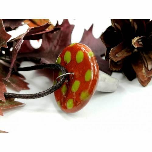 Halskette mit Fliegenpilz-Anhänger aus Keramik, Elfenschmuck für Waldfreunde