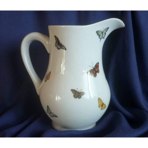 Milchkrug aus Keramik ,Frühstück,Milch Müsli Schmetterlinge